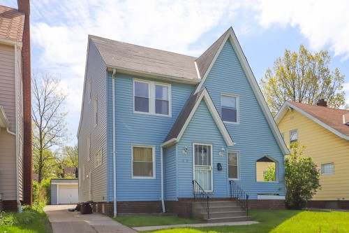 975 Pembrook Rd, Cleveland Hts  3 bed 1.5 bath | 1,352 sqft | $51,500