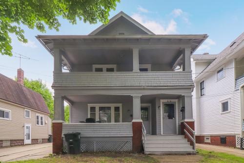 674-676 Thayer St, Akron  4 bed 2 bath | 2,392 sqft | $73,500