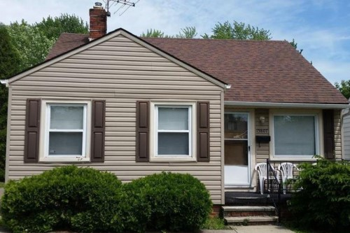 15807 Maplewood Ave, Maple Hts   3 bed 1 bath | 1,840 sqft | $51,000