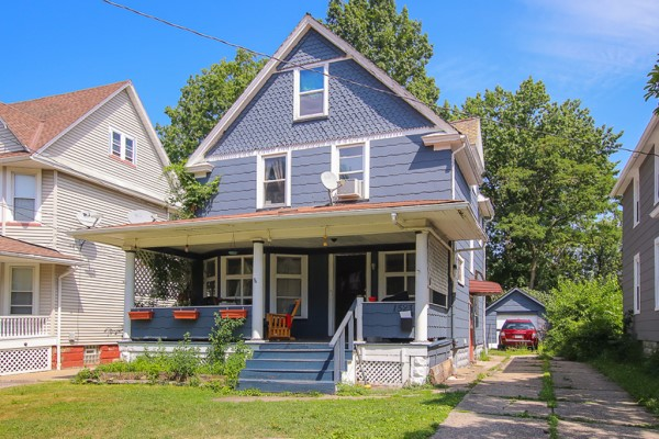 1523 Coutant Ave, Lakewood, OH 44107  3 bed 1 bath | 1,378 Sq. Ft. | $115,000