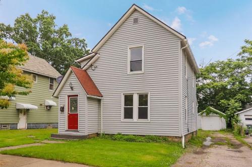 2325 20th St SW, Akron  3 bed 2 bath | 1,264 sqft | $47,750