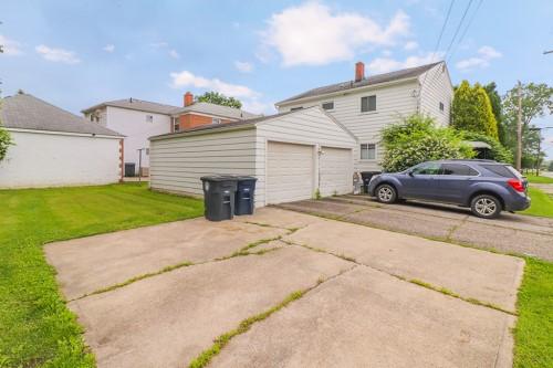 219 Stoddard Ave, Akron  4 bed 2 bath | 1,920 sqft | $106,000