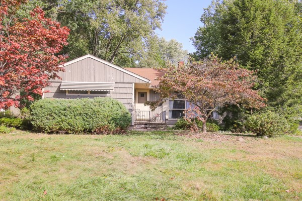 23506 Westchester Dr, N. Olmsted, OH 44070  3 bed 1.5 bath | 1,134 Sq. Ft. | $129,900