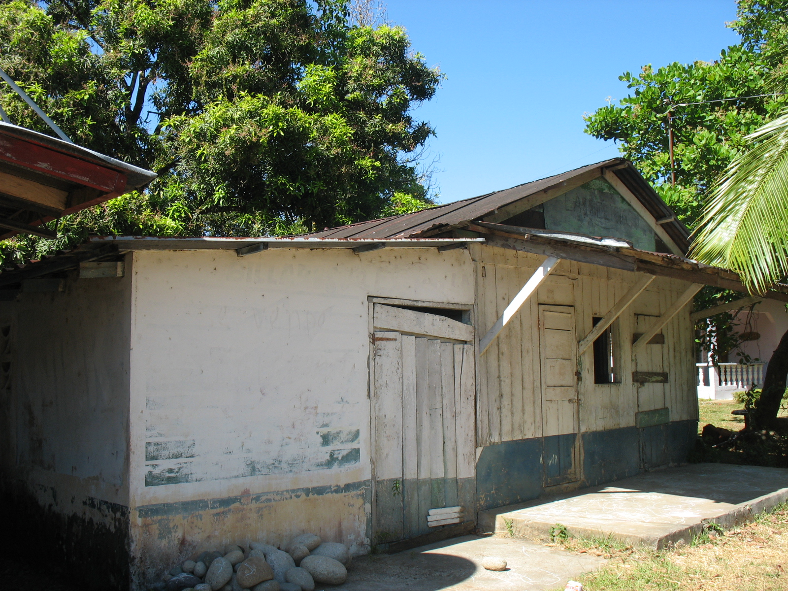 Upon completing our work for Rancho de Caldera, we converted an old shack into a shop.