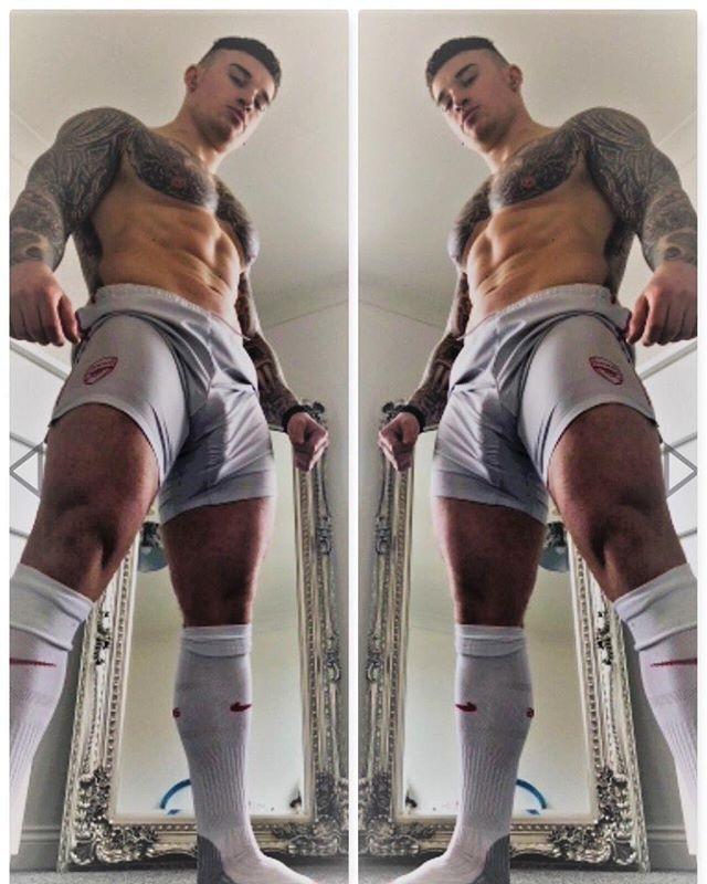 🧦 socks 🧦 up! #footyshorts #footyboys #footy #gym #muscle Follow @footyboys