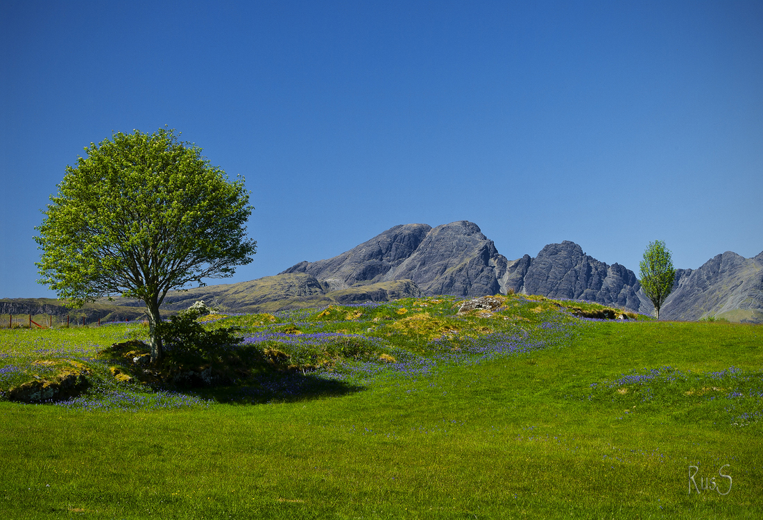SG157 2012 05 27 Blaven from Torrin 'Clear Blue Day'.jpg