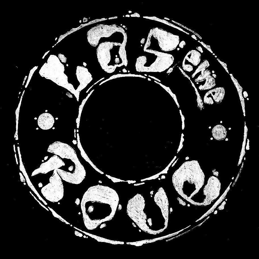 La Cinquième Roue   La Cinquième Roue est un quintet de jazz moderne créé en 2017. Fruit d'une rencontre entre musiciens bordelais et parisiens, ce groupe défend un son nouveau et atypique. La Cinquième Roue présente une musique de caractère, dont la vigueur se révèle dans l'interaction et la construction collective de la dynamique.   https://www.lacinquiemeroue.com