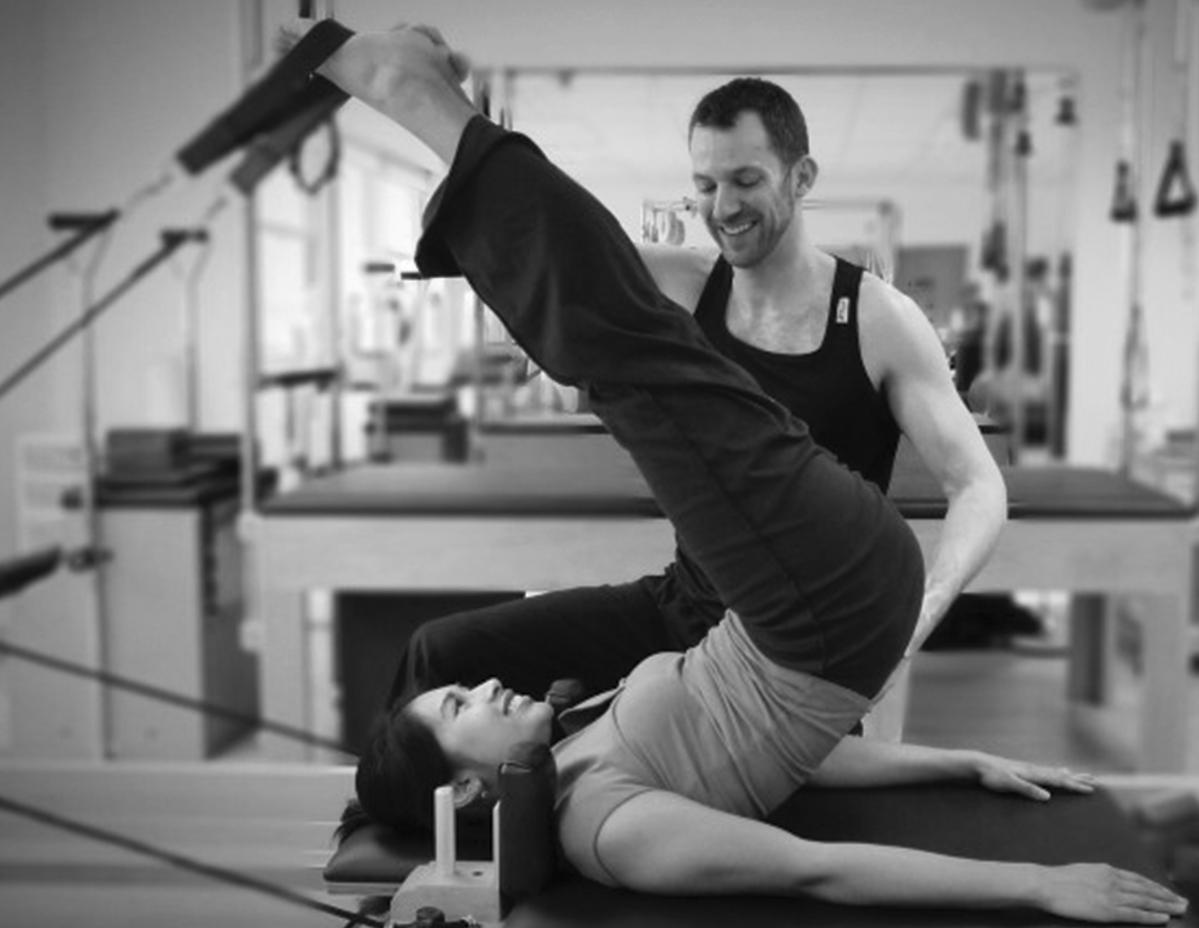 jon-hawkins-london-osteopath-pilates-short-spine-reformer-e1427813891848.png
