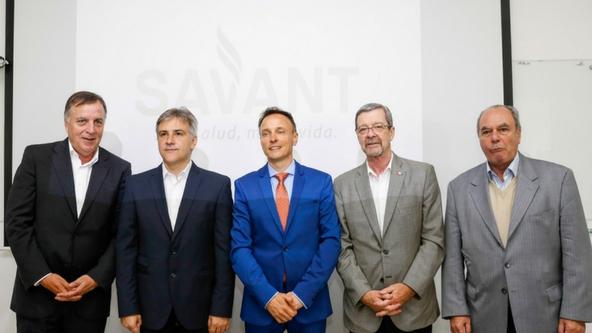 En el centro el Presidente de Savant Pharm, Mauro Bono.