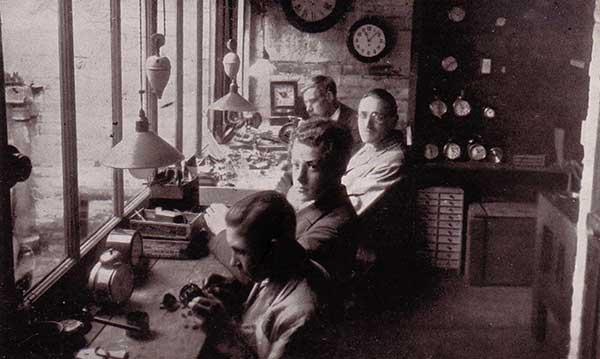 Ruffs-Workshop-1938.jpg