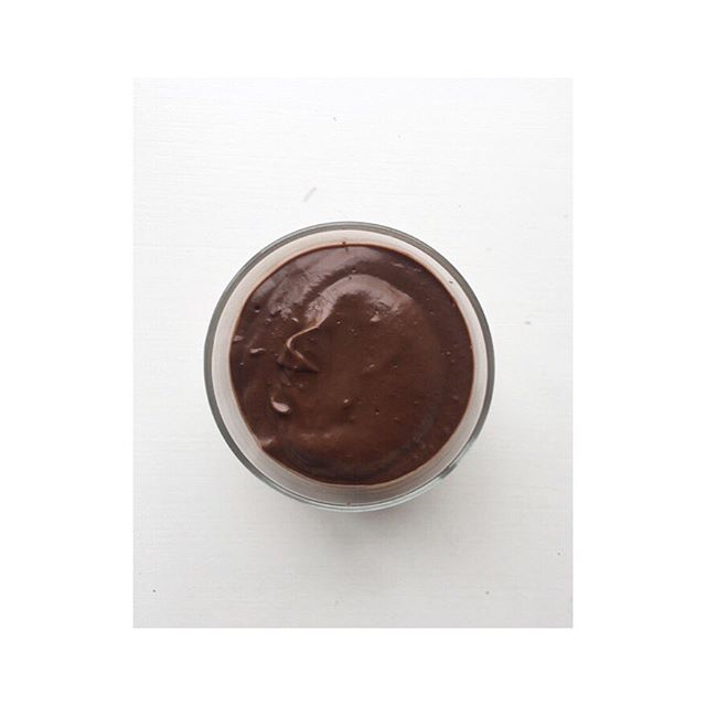 Reishi 🍄 chocolate mousse 🌞👌🏼 . . Let's talk overeating and energy.  You've probably heard people talk about emotional eating. Addressing core emotions so you're not reaching for food as a replacement for a loving connection. Something that is rarely talked about is overeating as an empath.  Not sure if you are, I'll list some of the common traits in the comments below 👇🏼 . . Over eating as an empath is something important to be aware of. During strong energetic changes or being in the presence of others who have lots going on, it's not uncommon to find yourself eating more than usual for a few different reasons. ✨Numbing ~ If you are sensitive to energy it can be incredibly overwhelming when you feel the intense energies from people, places, world situations, astrological changes all happening around you at once. Over eating can be a coping mechanism to numb the sensation of feeling because it's too much to take in. Overeating turns off your sensitivity. ✨Staying small ~ Having a lot of energy can be intense for a lot of people and often being told your too much gets projected onto you. Overeating slows down your energy so you can unconsciously shrink and stay small to make others feel more comfortable. ✨Grounding ~ strong energies can be very ungrounding, one of the natural ways to ground is with food so it's not uncommon to overeat when you're in or have been in a space that energetically has felt overwhelming. ✨Protection ~ The excess weight can subconsciously be a way of armouring yourself against absorbing other peoples stressors as it can act as a buffer to negativity.  This is another reason why a one size fits all / most does not work when it comes to food and dietary changes. If you've ever had a tendency to overeat has anyone ever asked if your an empath or HSP?  If you'd like support and tools to help you navigate and strengthen your gifts then I look forward to connecting with you in a session ✨👁