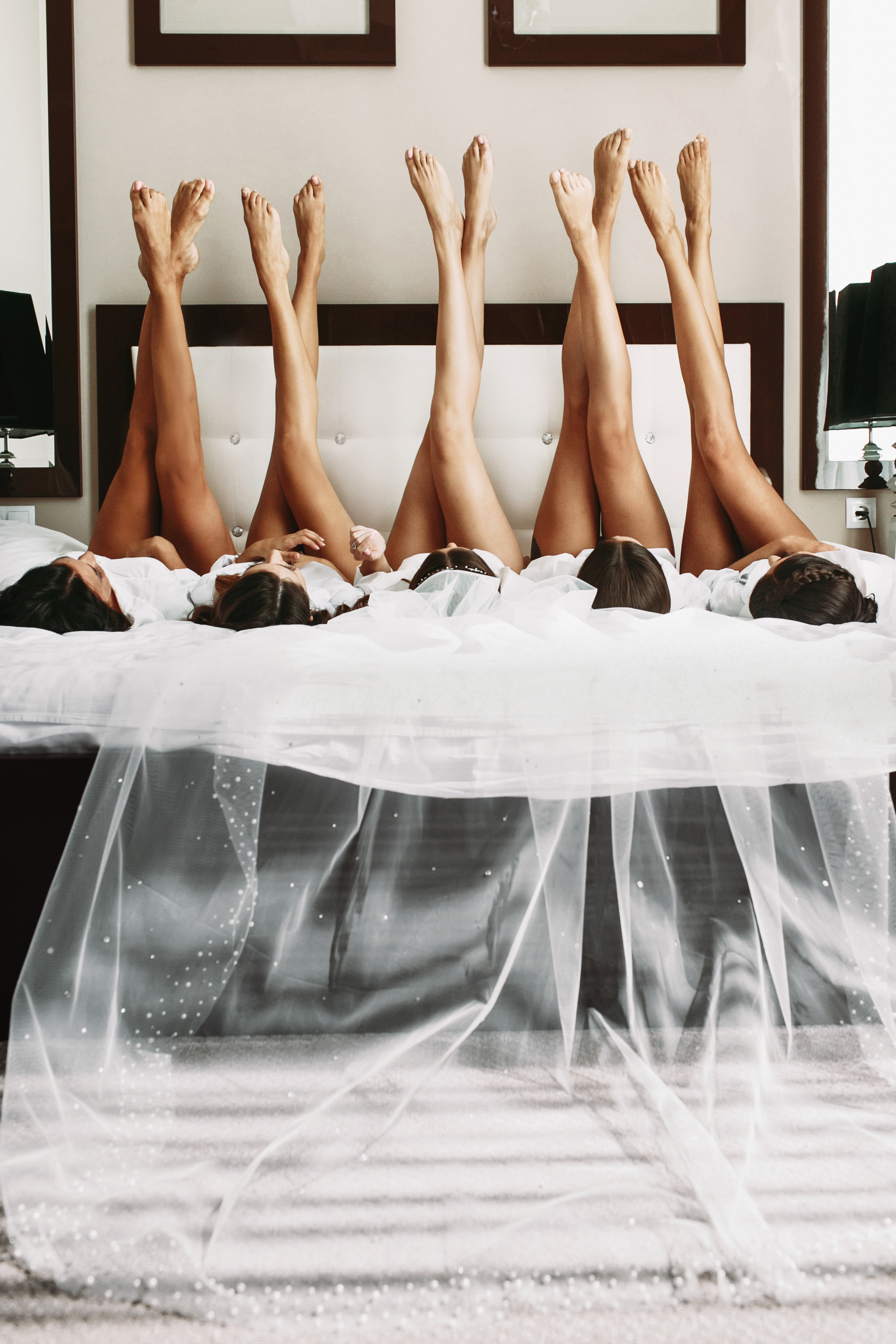 We offer full service airbrush spray tanning for wedding parties and events for yourself or an entire group (bachelorette or bridal party) at the location of your choice. Spray tanning services are available for every step of your wedding; including the engagement party, photos, bachelorette party, wedding day, and even the honeymoon.