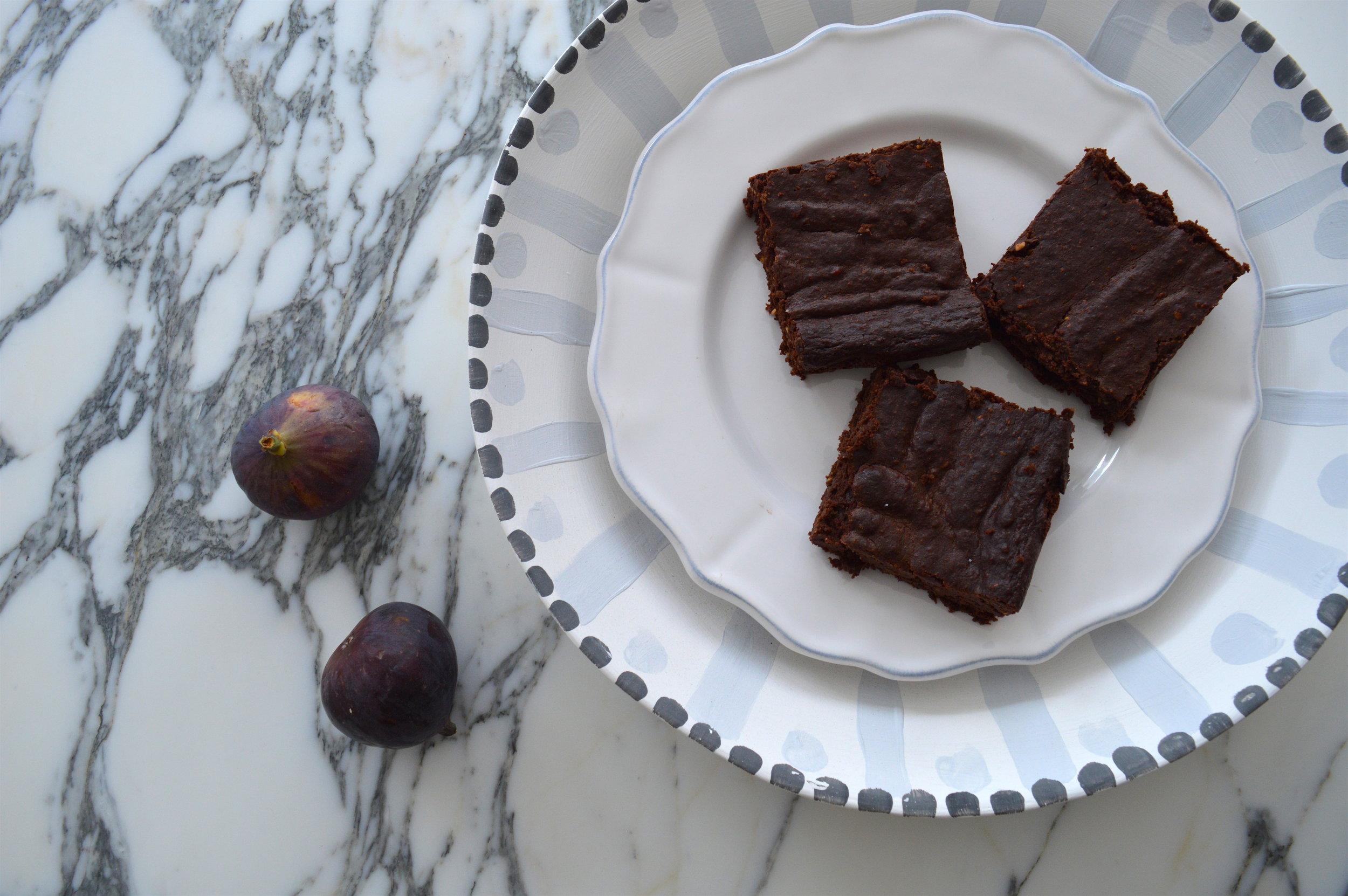 dark-chocolate-cashew-brownies-.jpg