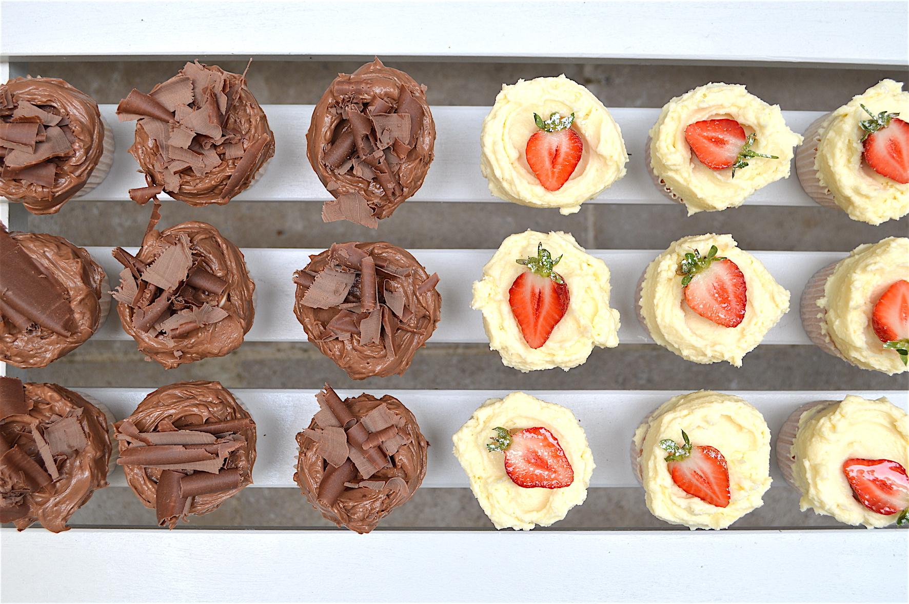 cupcakes-vanilla-and-milk.jpg