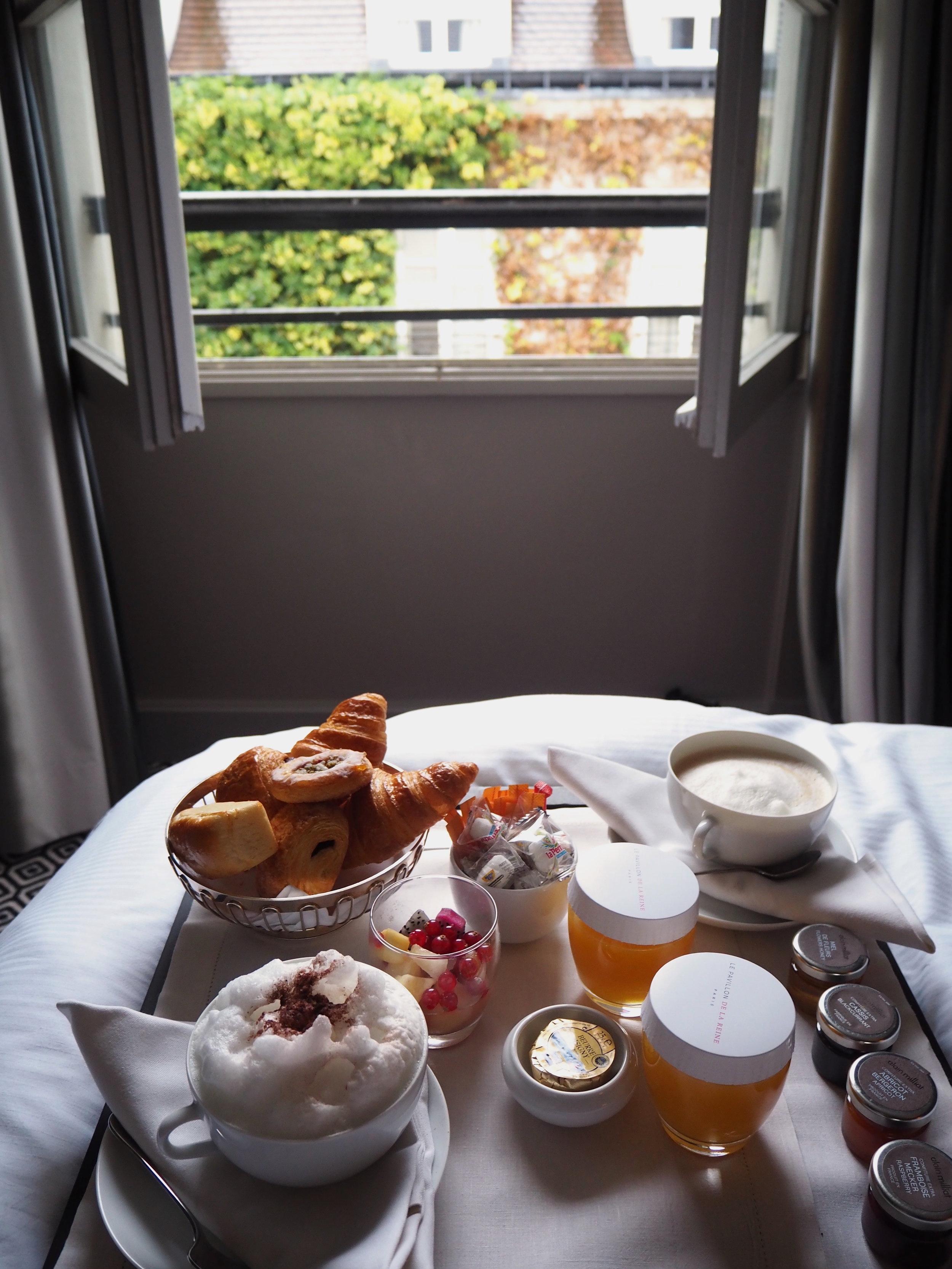 pavillon+breakfast+2.jpg