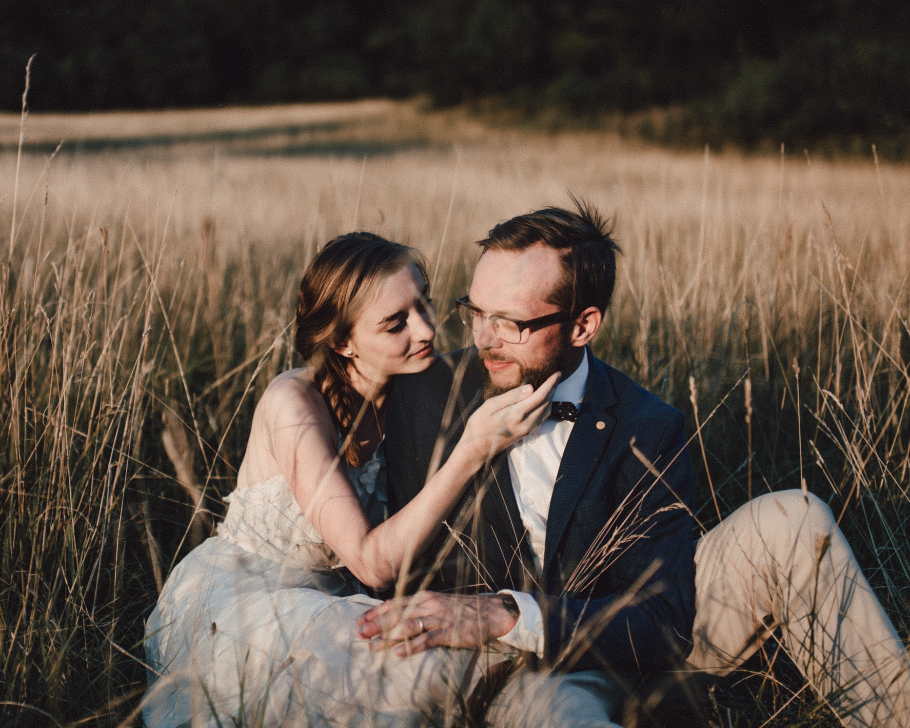 ELOPEMENT - ceremonies with less than 10 guests4 hours continuous coverageonline gallery & print shopdigital downloadsflash-drive with files$1200(week-days $1000)add video for + $600
