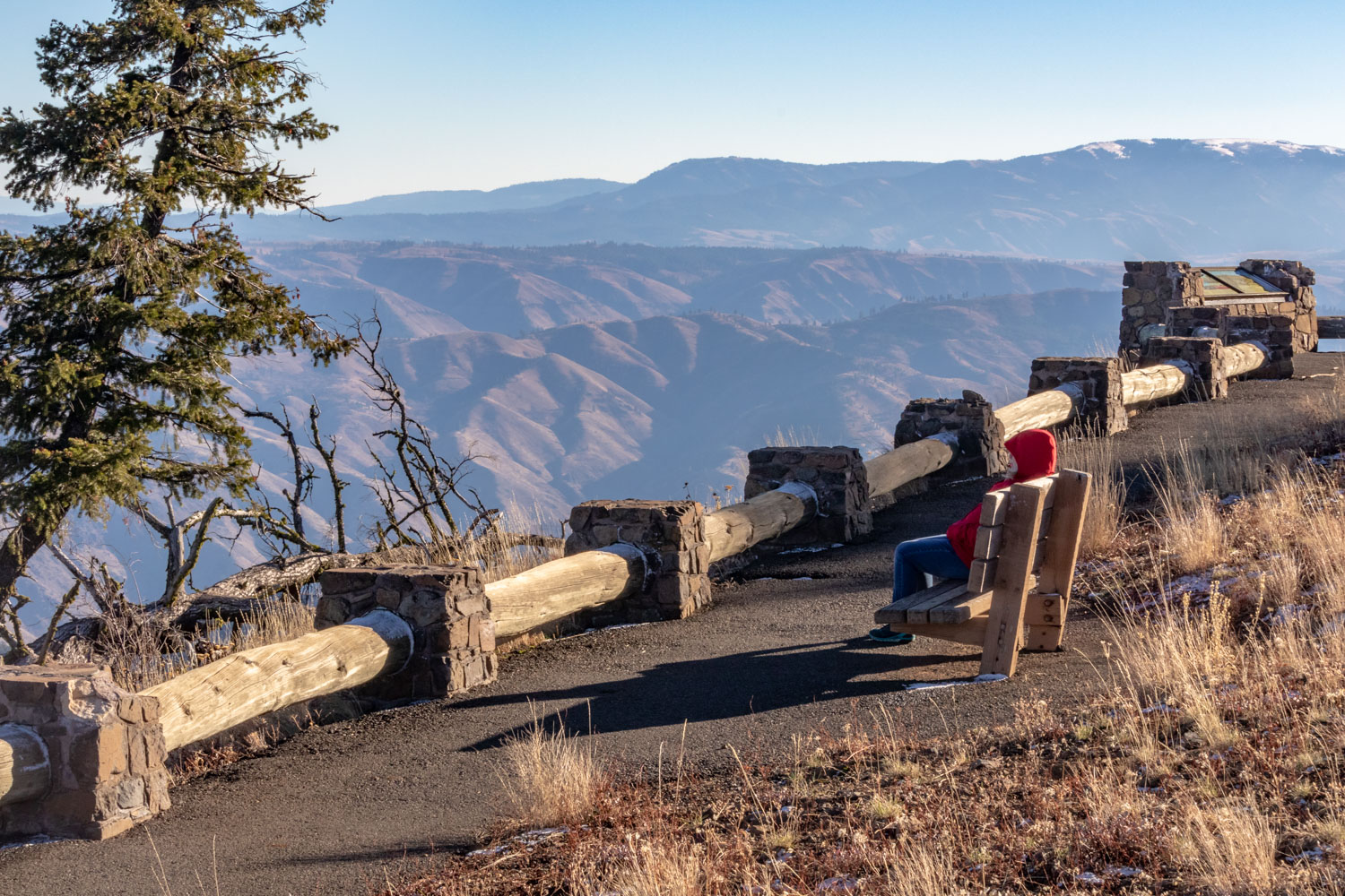 Hell's Canyon Overlook on Hell's Canyon Scenic Byway, Oregon - Photo by Ron Huckins