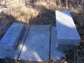 Soloman Hancock gravestone (2).jpg