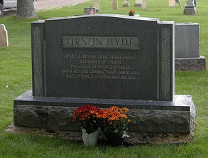 Orson Hyde tombstone.jpg
