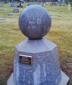 Lydia Knight gravestone.jpg
