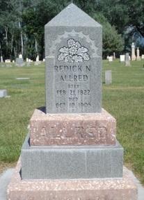 Reddick N . Allred gravestone.jpg
