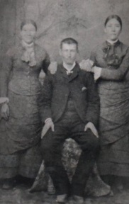 William James Hill and wives - Henrietta on right.jpg