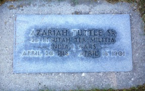 Azariah Tuttle gravestone.jpg