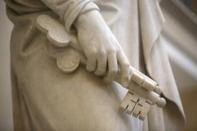Statue Peter Keys.jpg