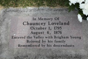 Chauancy Loveland gravestone.jpg