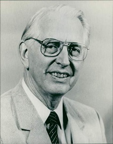 James C. Fletcher.jpg