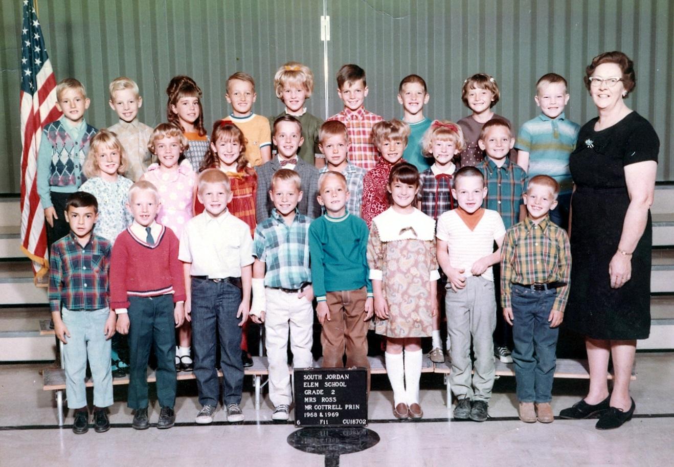 2nd Grade - 1968-1969 - Mrs. Ross.jpg