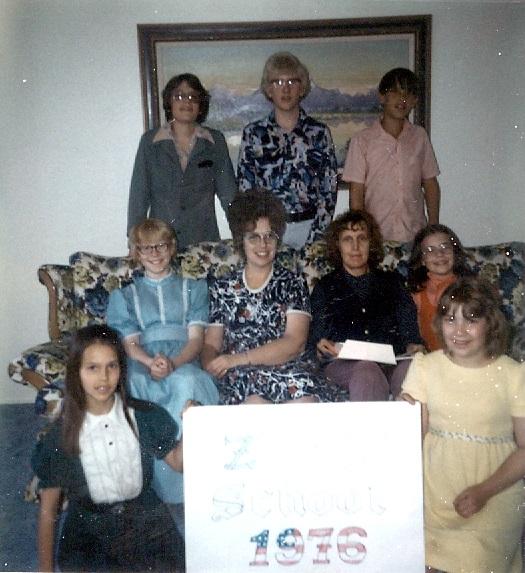 9th Grade - Zions School - 1975-1976.jpg