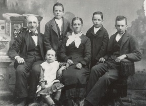 John Harvey Tippets and wife Eleanor Wise and family.jpg