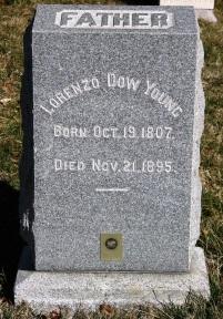Lorenzo Dow Young gravestone.jpg