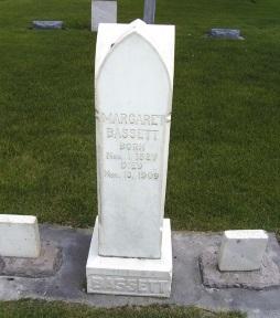 Margaret Bassett gravestone.jpg