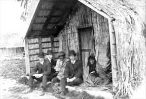 Missionaires in New Zealand.jpg