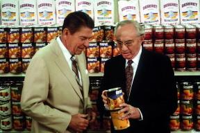 Ronald Regan tours cannery 1982.jpg