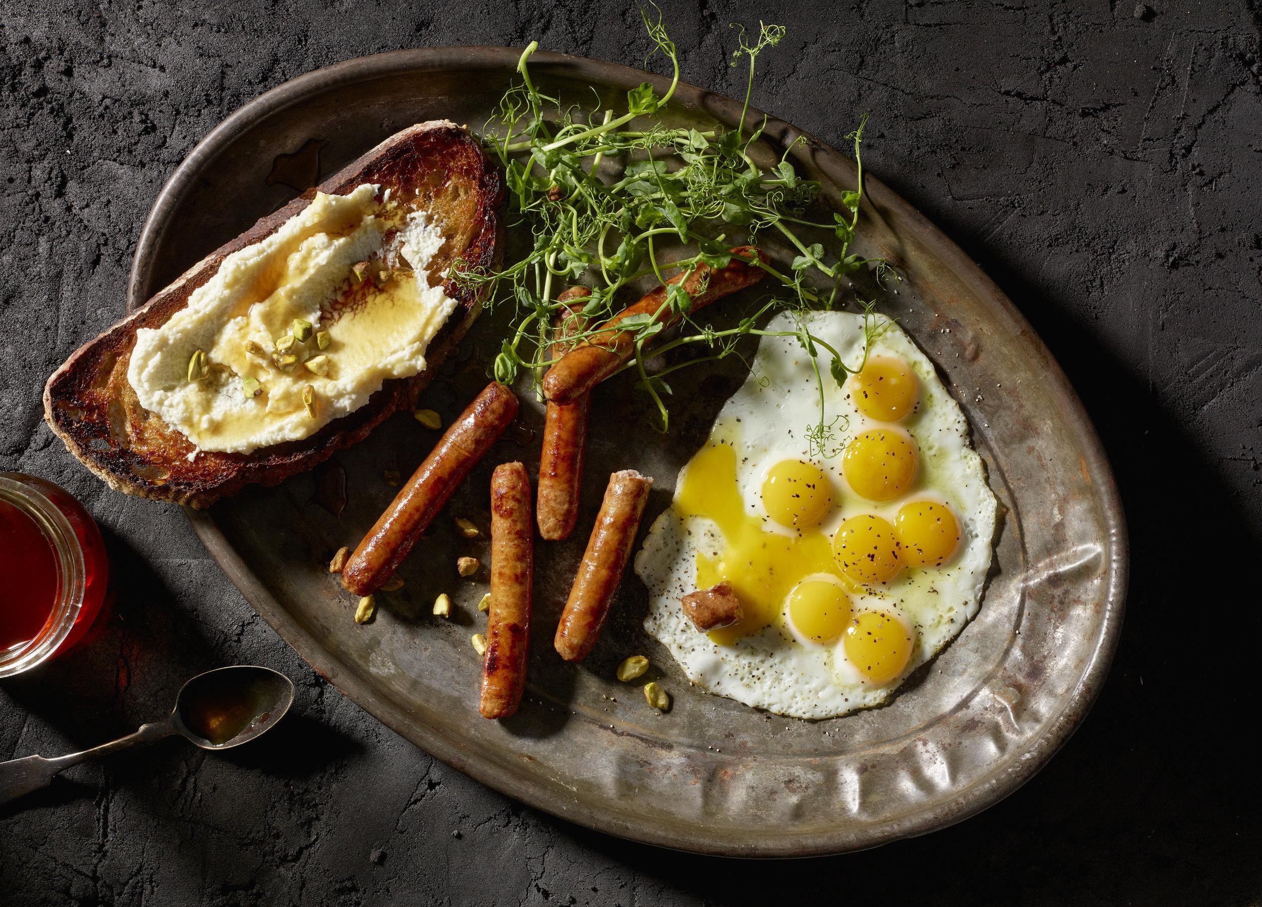 quail_eggs_sausage.jpg