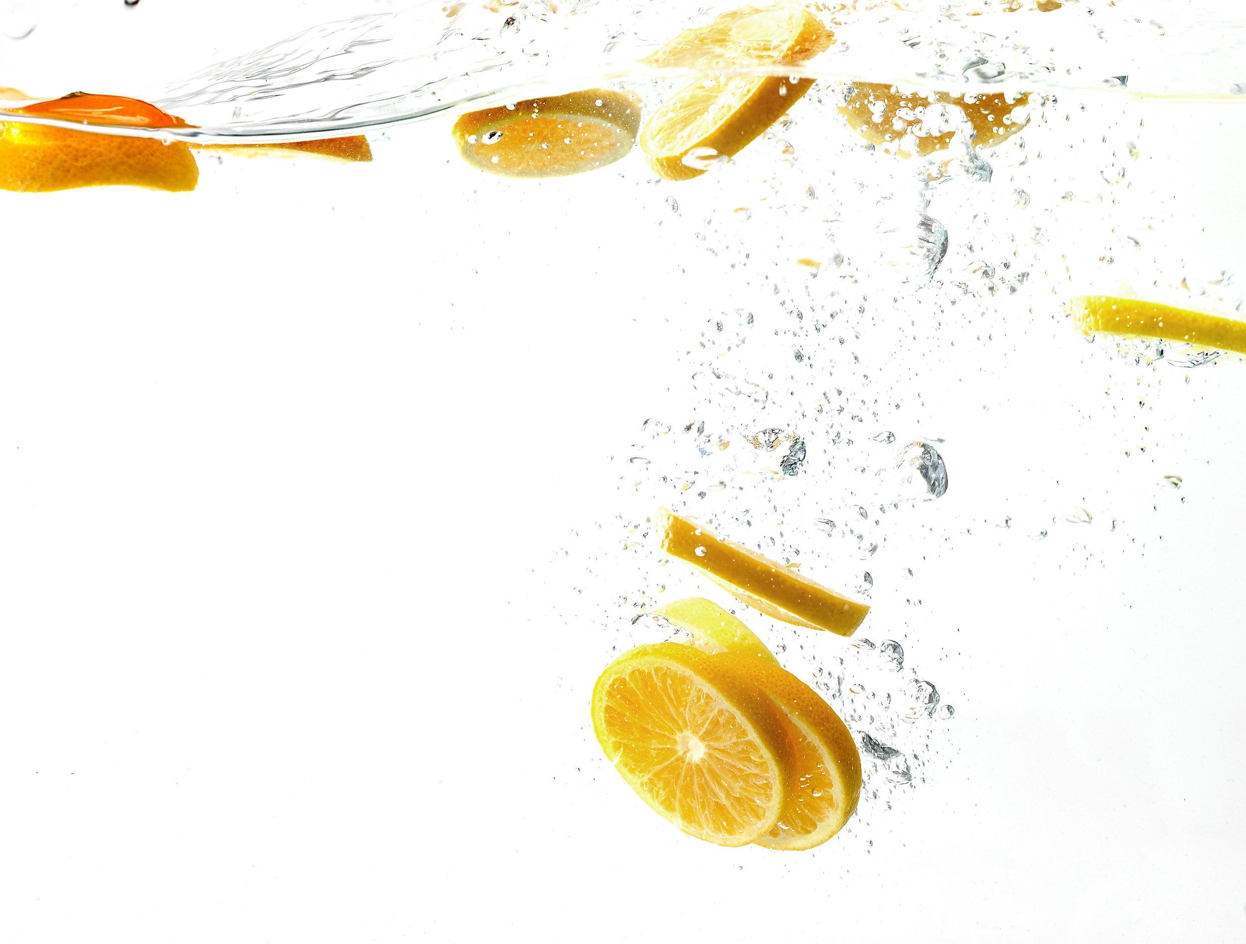 OrangesInwaterSplash.jpg