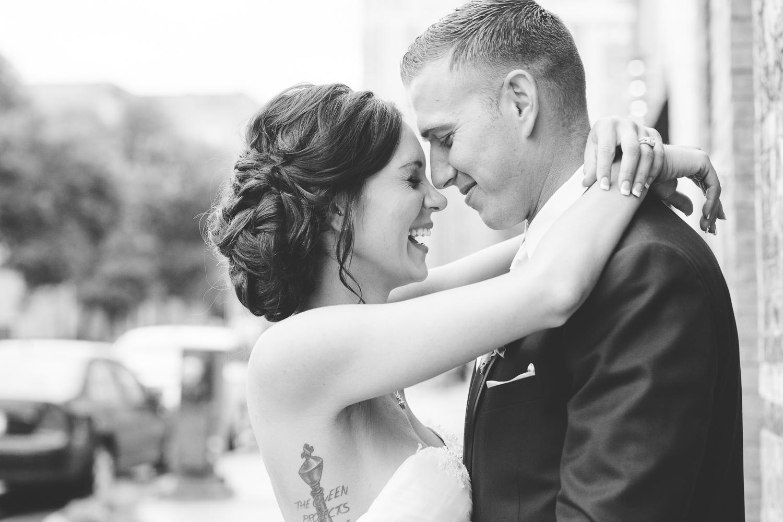 Natural Minneapolis Wedding Photography at Aria Minneapolis