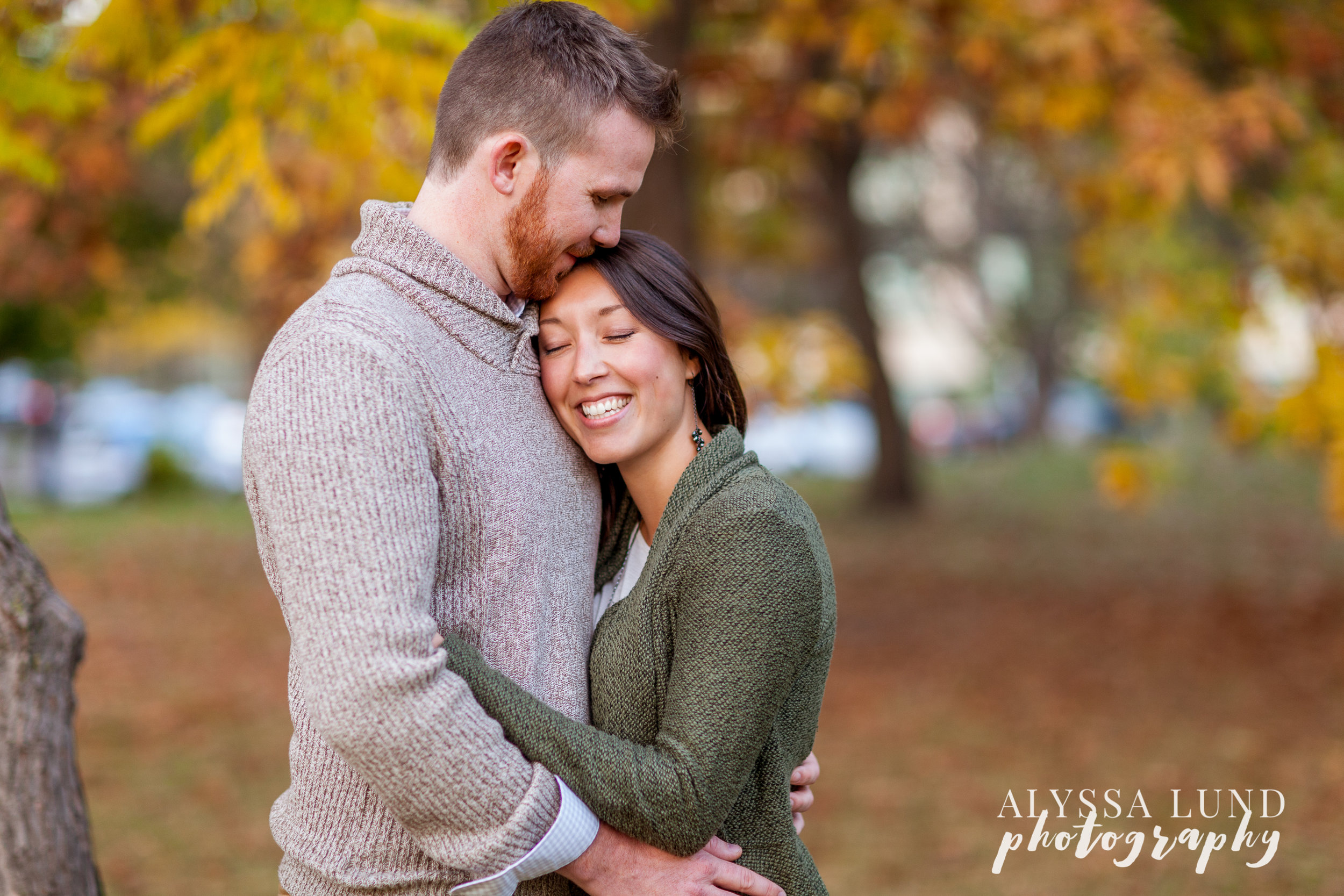 fall-engagement-session-at-the-minneapolis-stone-arch-bridge-10
