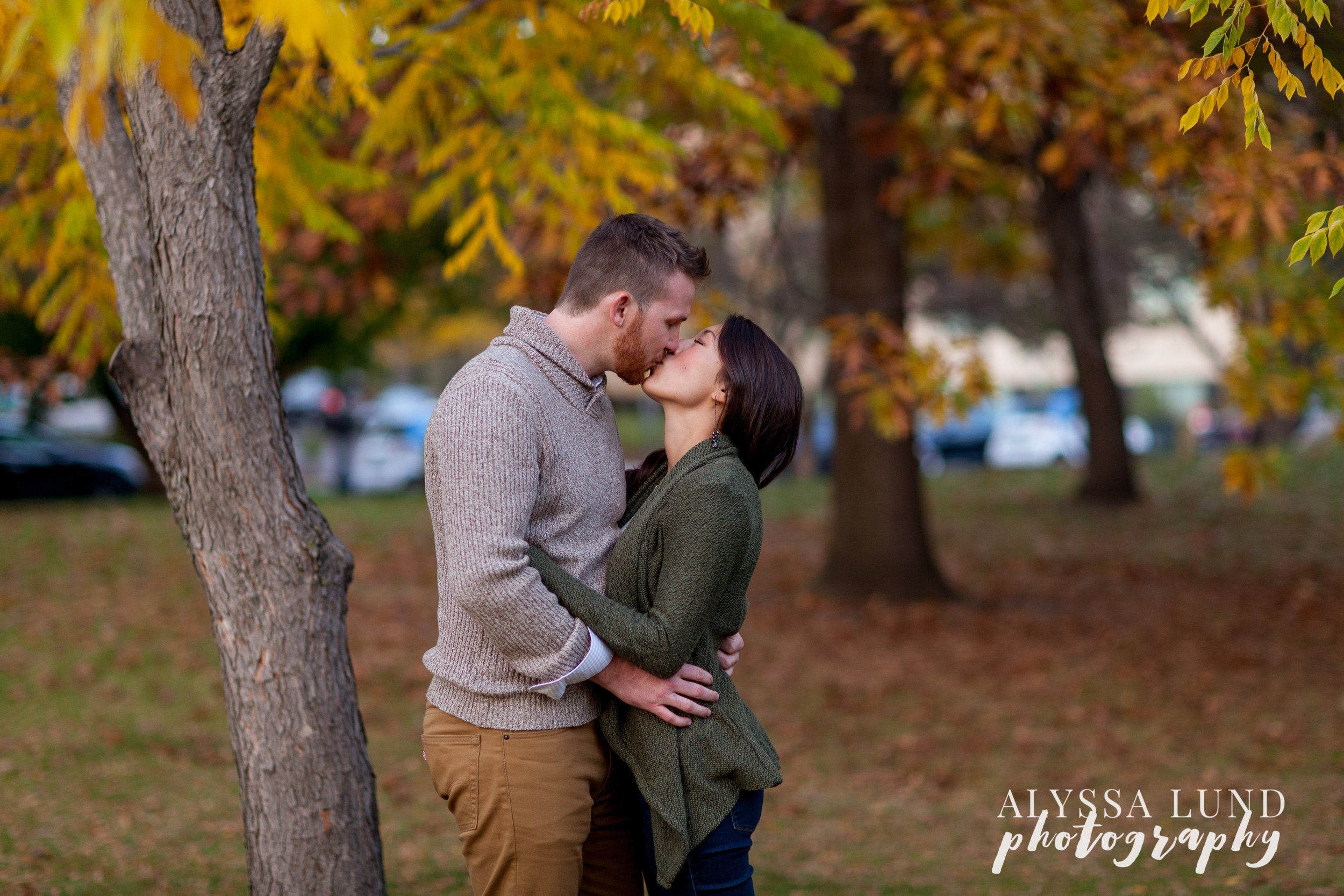 fall-engagement-session-at-the-minneapolis-stone-arch-bridge-12