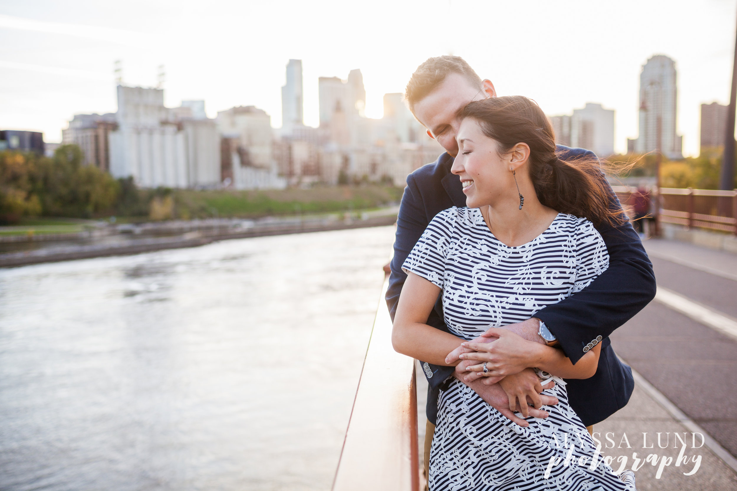 fall-engagement-session-at-the-minneapolis-stone-arch-bridge-2
