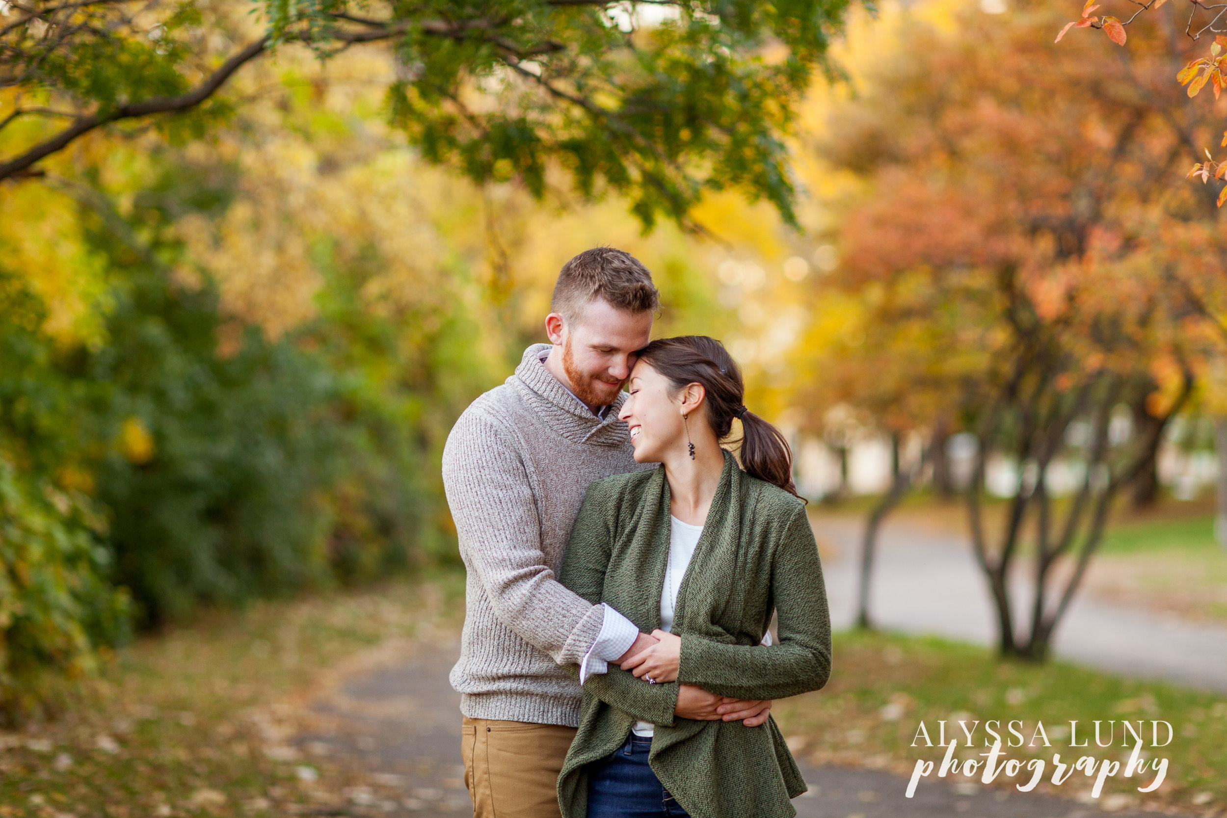 Minneapolis fall engagement session by Alyssa Lund Photography