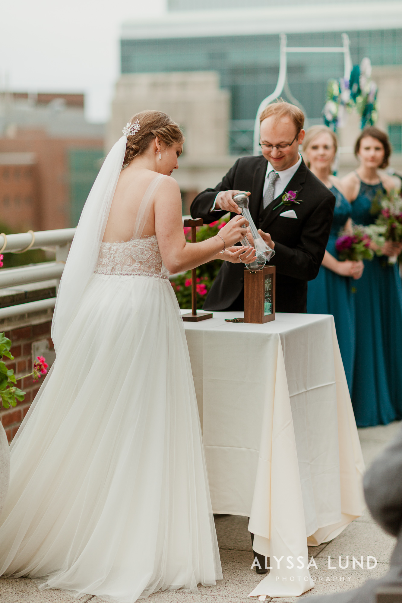 Emily Ian DIY Wedding at the Minneapolis Campus Club-32.jpg