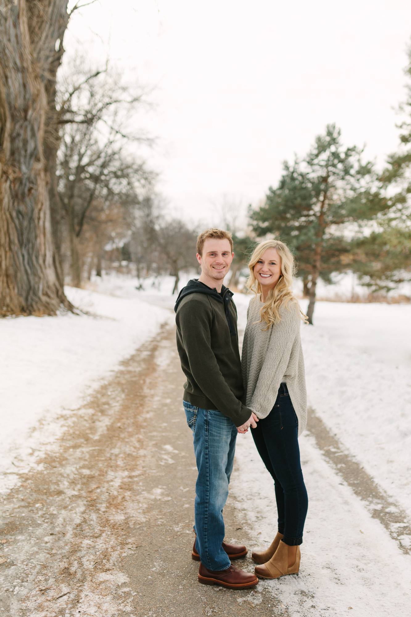 Hannah Matt winter engagement-05.jpg