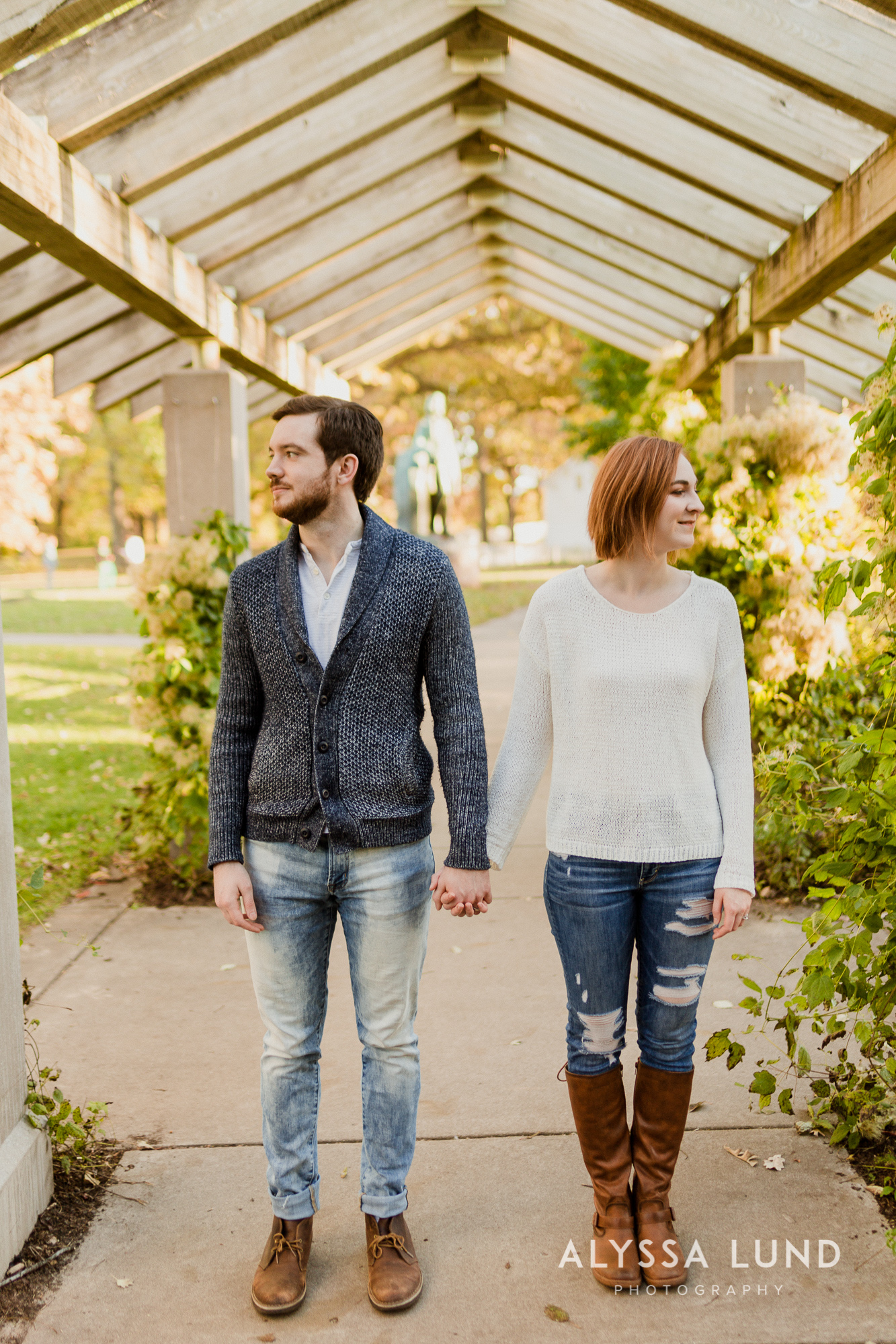 Fall couple photo ideas in Minneapolis-6.jpg