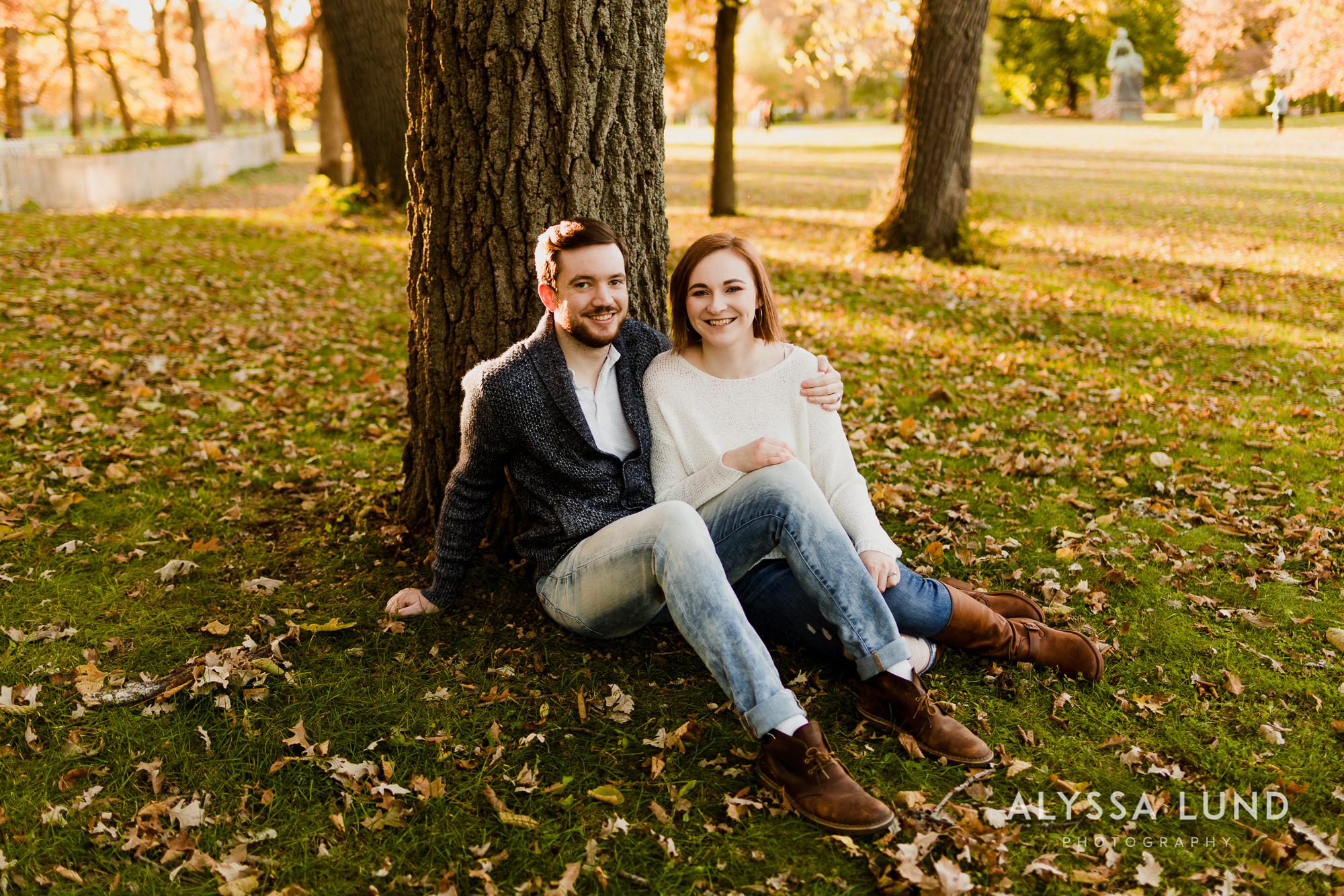 Fall couple photo ideas in Minneapolis-12.jpg