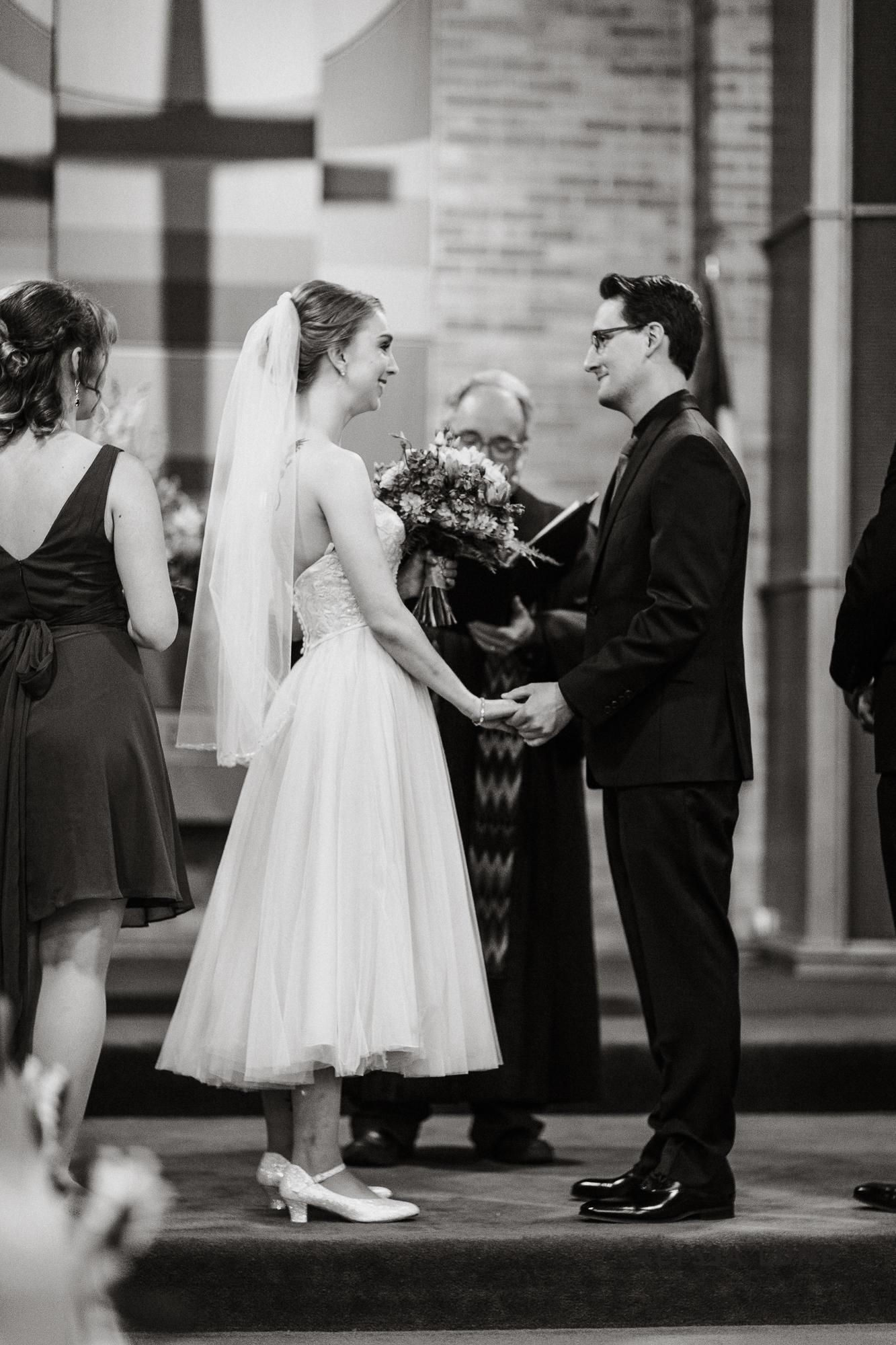 Lowell Inn Stillwater Wedding Photography-18.jpg