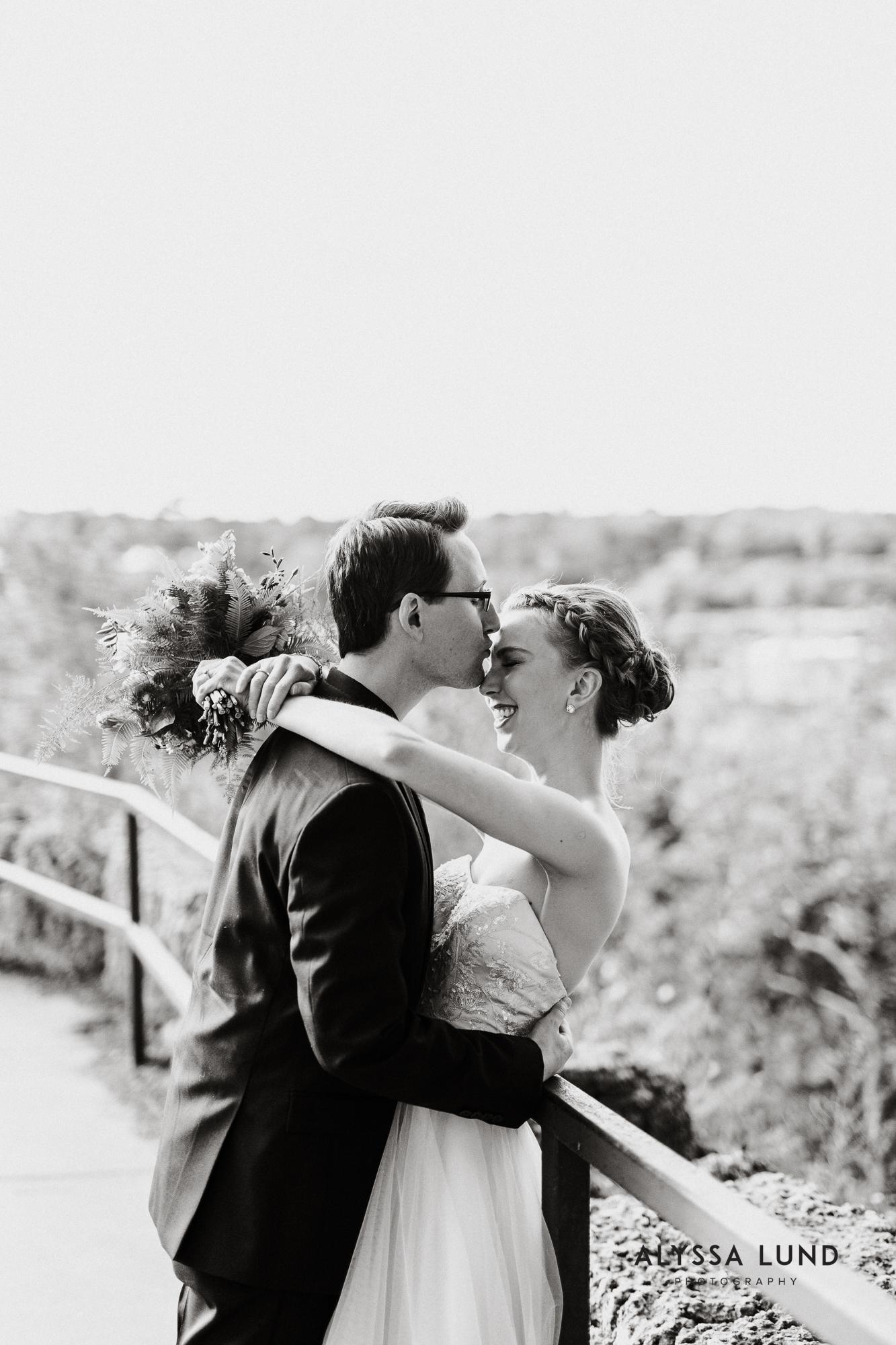 Lowell Inn Stillwater Wedding Photography-32.jpg